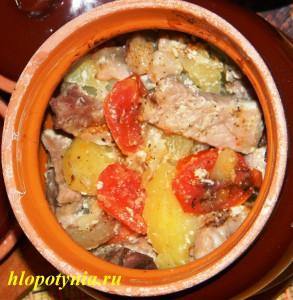 Мясо в горшочке по-деревенски