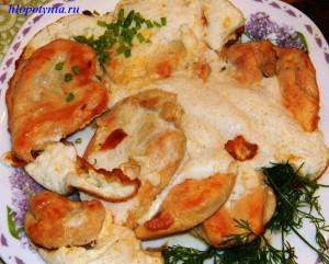 Куриные грудки в белках и сыре